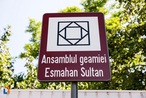 ansamblul-geamiei-esmahan-sultan-din-mangalia-judetul-constanta.jpg