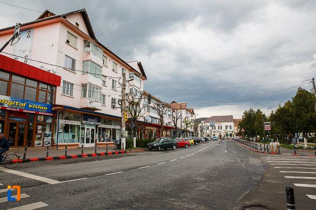 ansamblul-urban-piata-unirii-din-hateg-judetul-hunedoara-monument-istoric.jpg