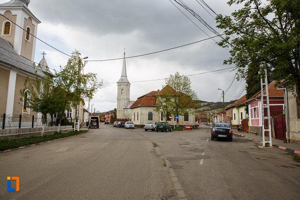 ansamblul-urban-str-bisericilor-din-hateg-judetul-hunedoara.jpg