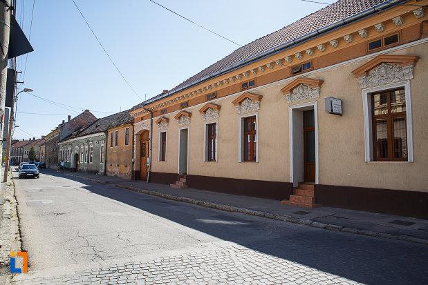 ansamblul-urban-str-george-baritiu-din-orastie-judetul-hunedoara-monument-arhitectonic.jpg