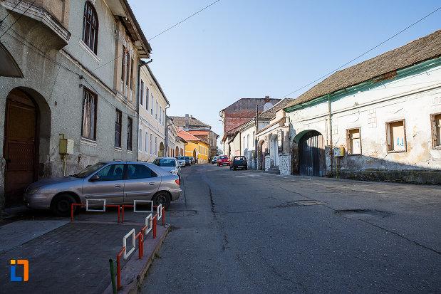 ansamblul-urban-str-mihai-eminescu-din-orastie-judetul-hunedoara-monument-arhitectonic.jpg