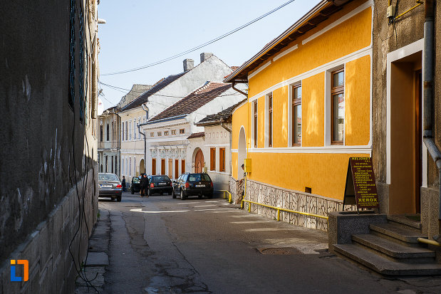 ansamblul-urban-str-mihai-eminescu-din-orastie-judetul-hunedoara-o-fila-rupta-din-istorie.jpg