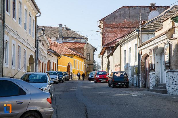 ansamblul-urban-str-mihai-eminescu-din-orastie-judetul-hunedoara.jpg