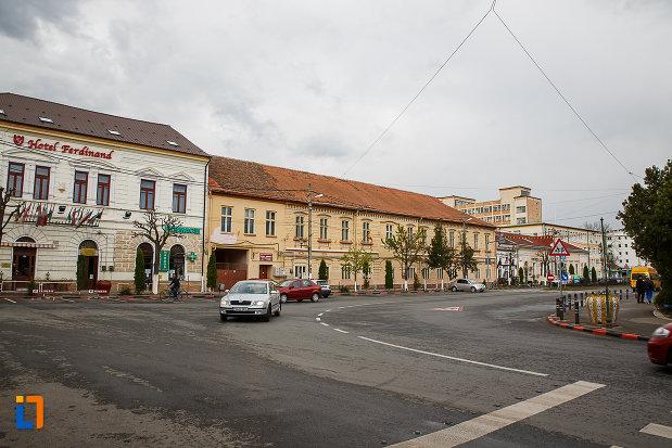 ansamblul-urban-str-tudor-vladimirescu-din-hateg-judetul-hunedoara-monument-de-arhitectura.jpg