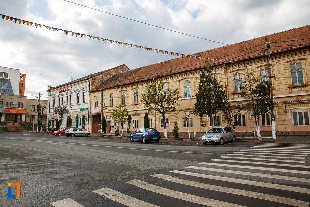 ansamblul-urban-str-tudor-vladimirescu-din-hateg-judetul-hunedoara.jpg