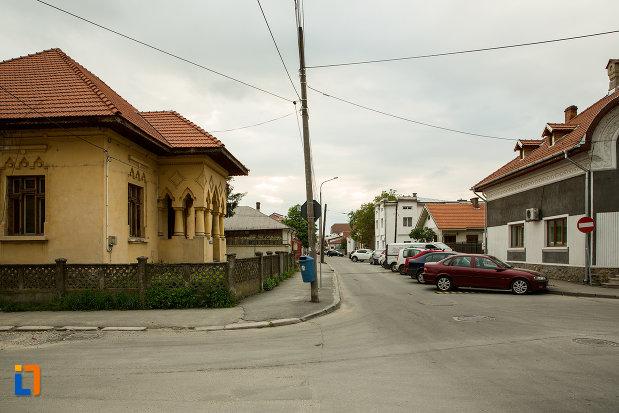 ansamblul-urban-str-tudor-vladimirescu-din-targu-jiu-judetul-gorj.jpg