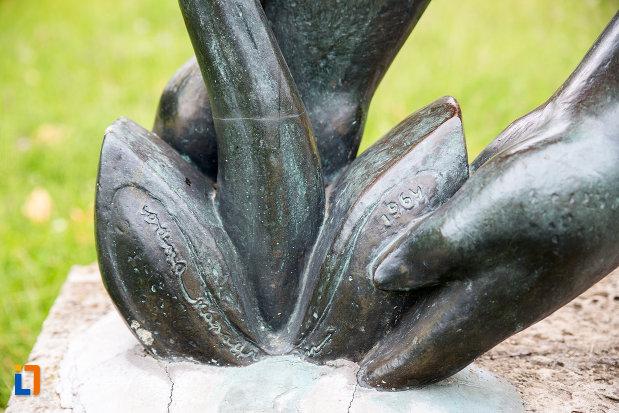 anul-crearii-statuii-fata-cu-floare-din-eforie-nord-judetul-constanta.jpg