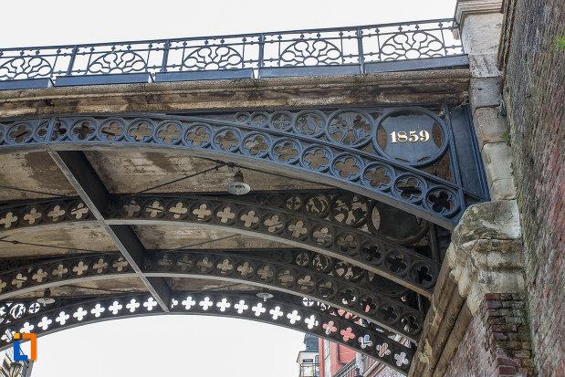 anul-de-constructie-de-la-podul-metalic-podul-minciunilor-1859-din-sibiu-judetul-sibiu.jpg