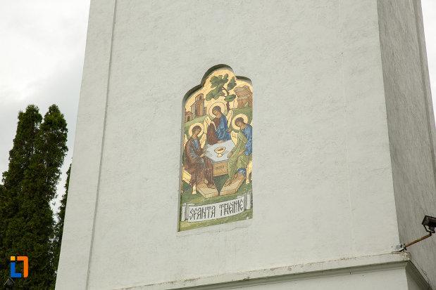 arhiepiscopia-ramnicului-din-ramnicu-valcea-judetul-valcea-imagine-cu-pictura-murala.jpg