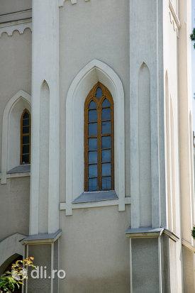 arhitectura-de-la-biserica-romano-catolica-din-seini-judetul-maramures.jpg