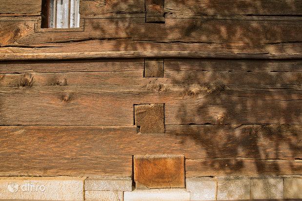 arhitectura-din-lemn-biserica-de-lemn-din-plopis-judetul-maramures.jpg