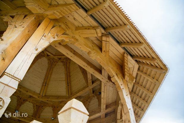arhitectura-din-lemn-manastirea-adormirea-maicii-domnului-din-moisei-judetul-maramures.jpg