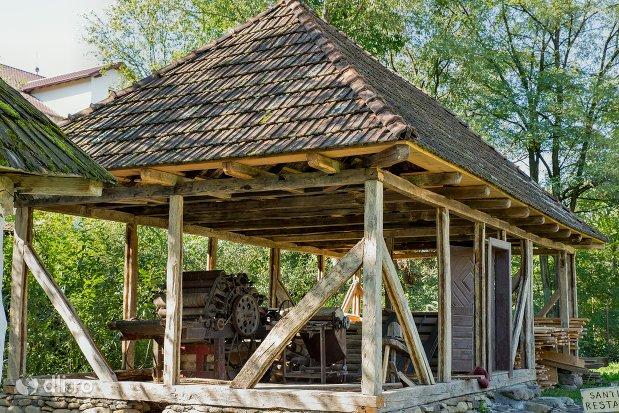 atelier-mestesugaresc-muzeul-satului-osenesc-din-negresti-oas-judetul-satu-mare.jpg