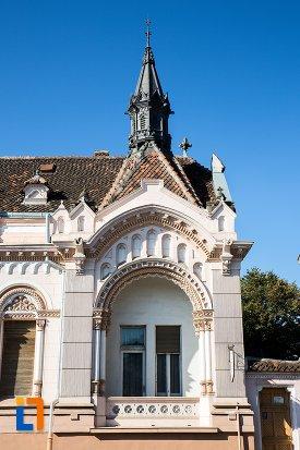 balcon-de-la-biserica-sfantul-bartolomeu-din-brasov-judetul-brasov.jpg