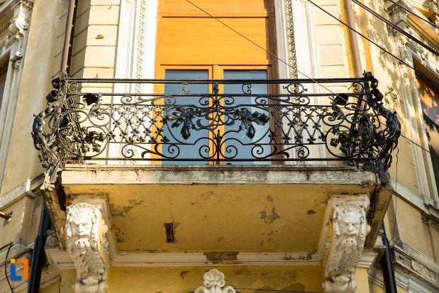 balcon-de-la-casa-chercea-din-braila-judetul-braila.jpg