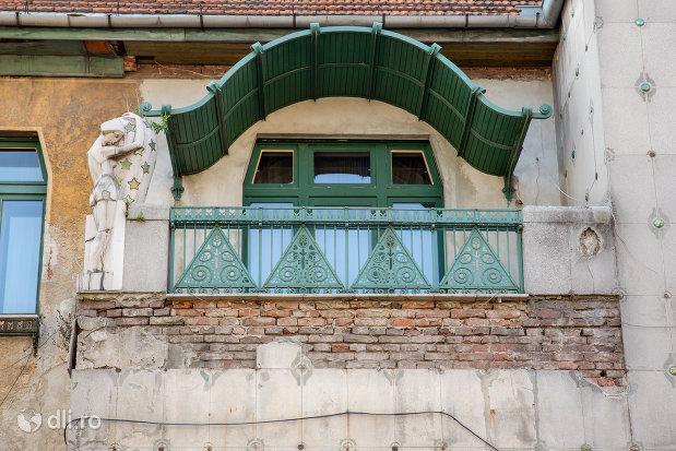 balcon-de-la-casa-darvas-la-roche-din-oradea-judetul-bihor.jpg
