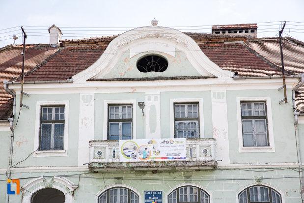balcon-de-la-casa-de-cultura-din-miercurea-sibiului-judetul-sibiu.jpg