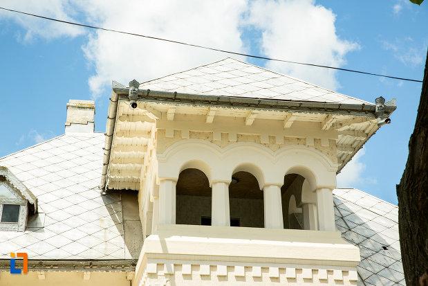 balcon-de-la-casa-vasile-beldie-din-tecuci-judetul-galati.jpg