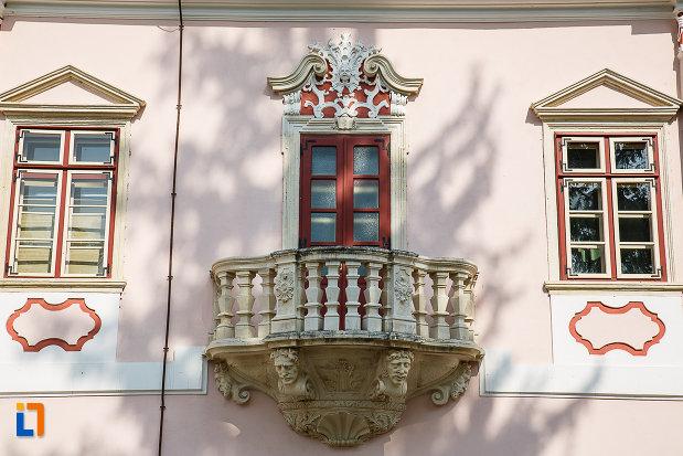 balcon-de-la-castelul-magna-curia-castelul-bethlen-din-deva-judetul-hunedoara.jpg