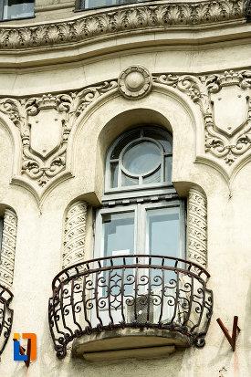 balcon-de-la-hotel-palace-din-craiova-judetul-dolj.jpg