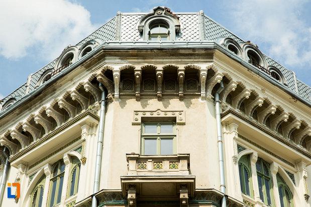 balcon-de-la-hotel-si-casino-minerva-din-craiova-judetul-dolj.jpg