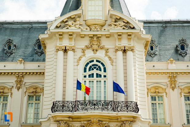 balcon-de-la-muzeul-de-arta-din-craiova-judetul-dolj.jpg