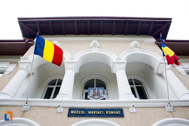balcon-de-la-muzeul-marinei-romane-sediul-fostei-scoli-de-marina-din-constanta-judetul-constanta.jpg