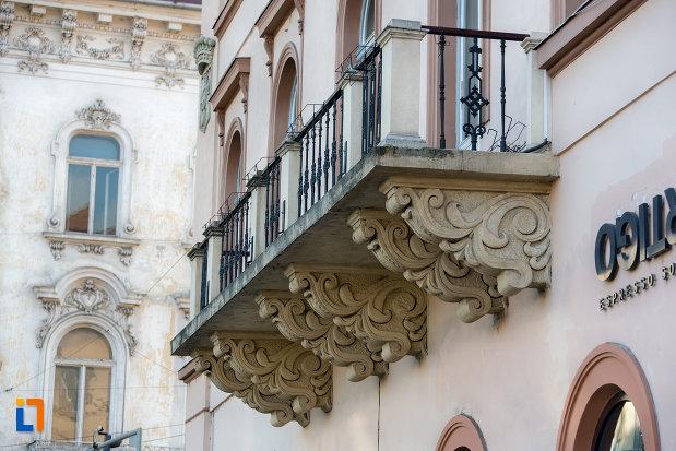 balcon-de-la-palatul-rhedey-din-cluj-napoca-judetul-cluj.jpg