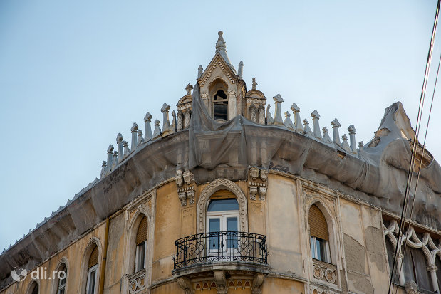 balcon-de-la-palatul-rimanonczy-senior-din-oradea-judetul-bihor.jpg