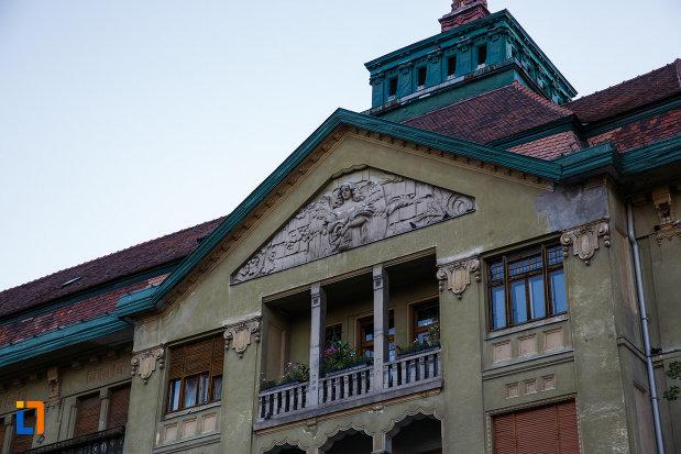 balcon-de-la-palatul-szechenyi-din-timisoara-judetul-timis.jpg