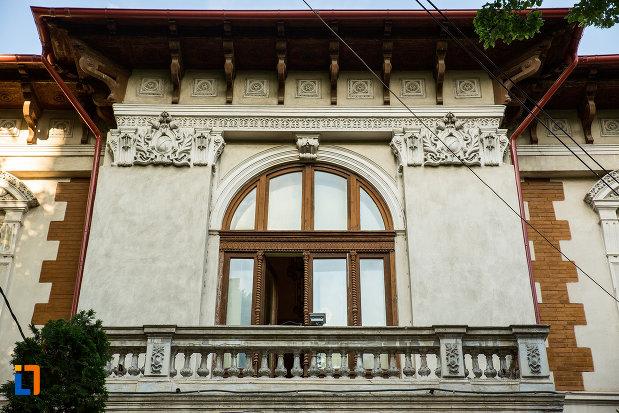 balcon-de-la-trustul-de-presa-din-galati-judetul-galati.jpg