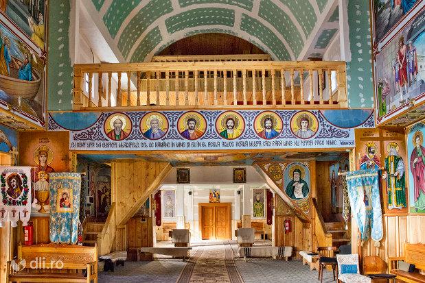 balcon-din-biserica-de-lemn-ortodoxa-din-baia-sprie-judetul-maramures.jpg