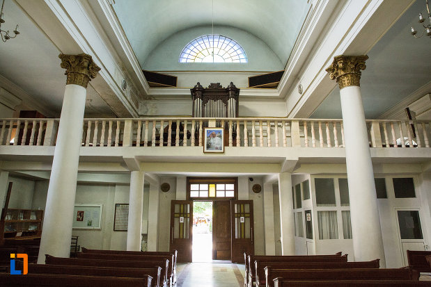 balcon-din-biserica-romano-catolica-din-galati-judetul-galati.jpg