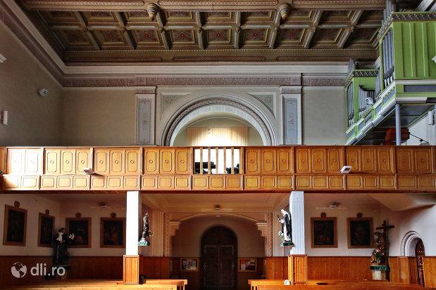 balcon-interior-in-manastirea-franciscana-sf-anton-din-capleni-judetul-satu-mare.jpg