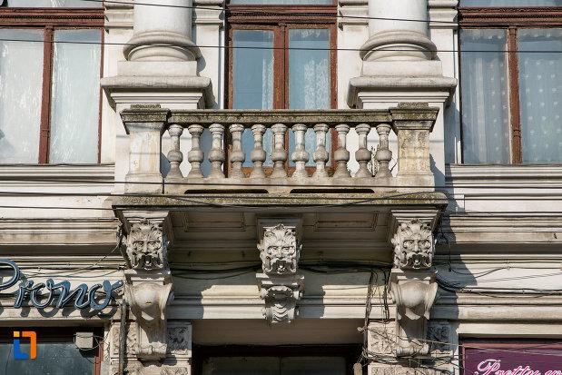 balcon-palatul-babos-din-cluj-napoca-judetul-cluj.jpg