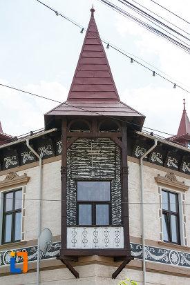 balcon-si-turn-de-la-hotelul-carol-fosta-vila-1-1896-din-vatra-dornei-judetul-suceava.jpg