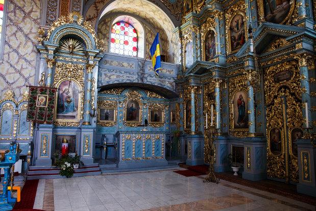 balconul-de-la-biserica-ortodoxa-nasterea-maicii-domnului-din-sannicolau-mare-judetul-timis.jpg