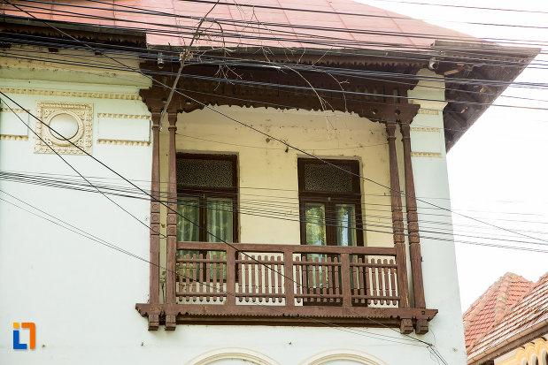 balconul-de-la-casa-fostul-consulat-spaniol-din-galati-judetul-galati.jpg