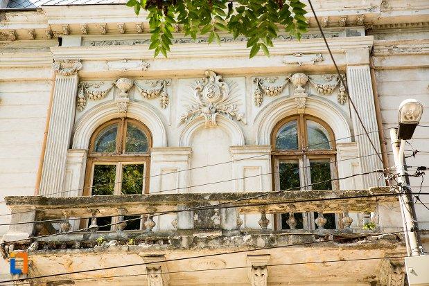 balconul-de-la-casa-kistodulo-suliottis-din-braila-judetul-braila.jpg