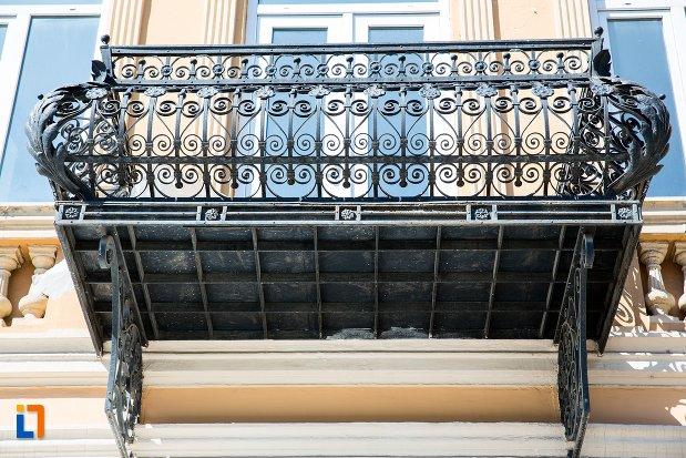 balconul-de-la-casa-nedelcu-chercea-din-braila-judetul-braila.jpg