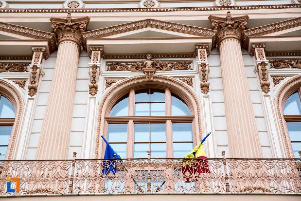 balconul-de-la-cladirea-colegiului-national-moise-nicoara-din-arad-judetul-arad.jpg