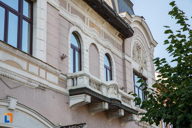 balconul-de-la-fostul-cazinou-evreiesc-din-targu-mures-judetul-mures.jpg
