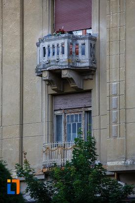 balconul-de-la-palatul-dauerbach-din-timisoara-judetul-timis.jpg