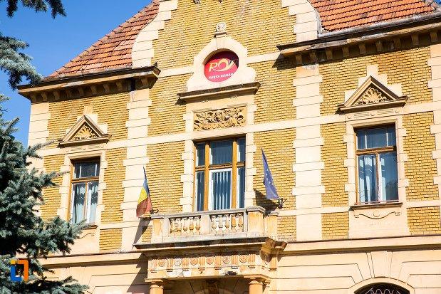 balconul-de-la-palatul-postelor-din-brasov-judetul-brasov.jpg