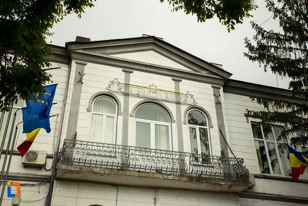balconul-de-la-primaria-din-corabia-judetul-olt.jpg