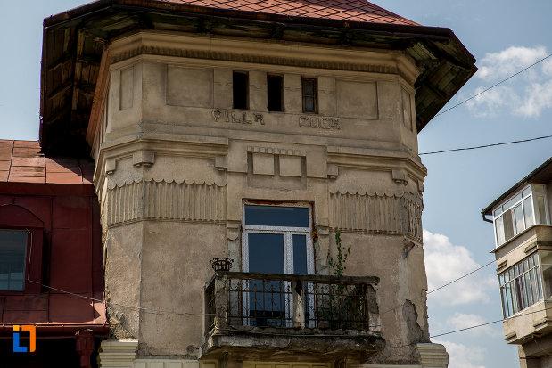 balconul-de-la-vila-coca-din-campulung-moldovenesc-judetul-suceava.jpg