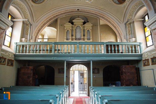 balconul-din-biserica-romano-catolica-din-ocna-mures-judetul-alba.jpg