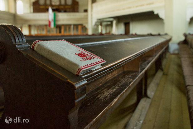 banca-de-rugaciuni-biserica-reformata-din-zalau-judetul-salaj.jpg