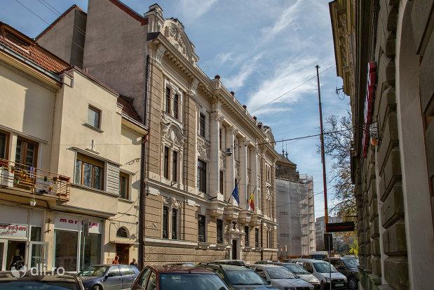 banca-nationala-a-romaniei-din-oradea-judetul-bihor-vazuta-din-lateral.jpg