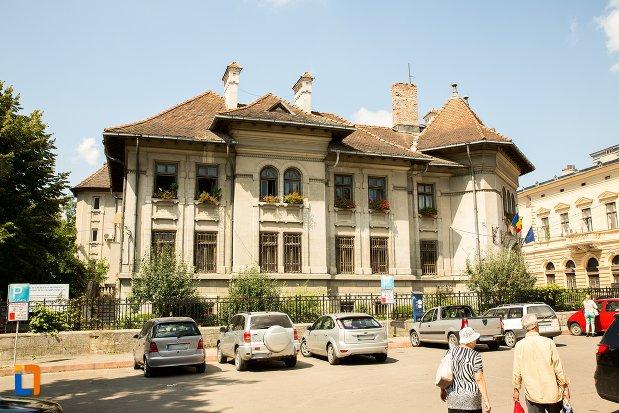 banca-nationala-azi-biblioteca-judeteana-mihai-eminescu-din-botosani-judetul-botosani.jpg
